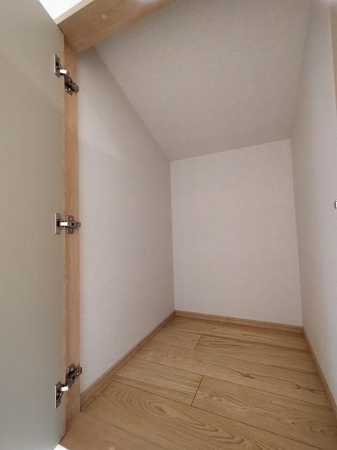 3階ホール収納(内装)