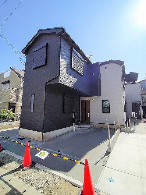 ●駐車スペース付き2階建て(外観)